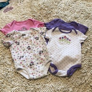 💛 3/$25 💛 Rococo Lot of 4 Onsies